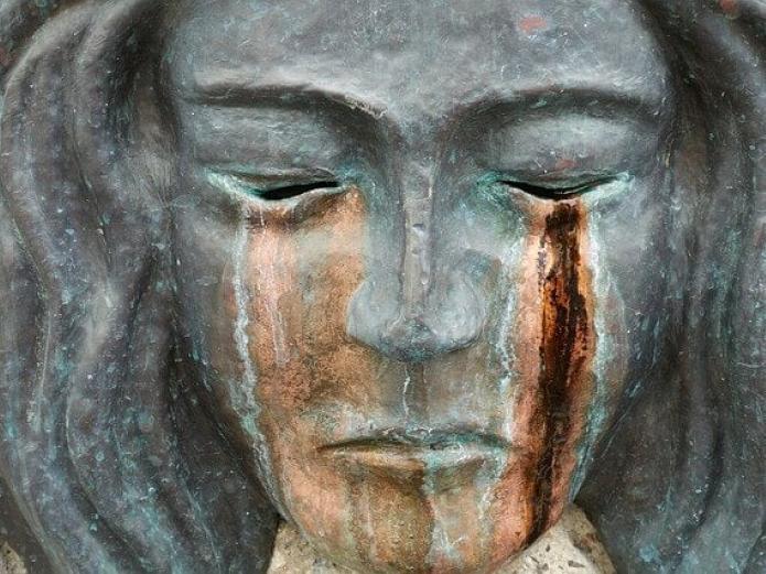 Jean Shinoda Bolen, biografía de una mujer valiente y espiritual